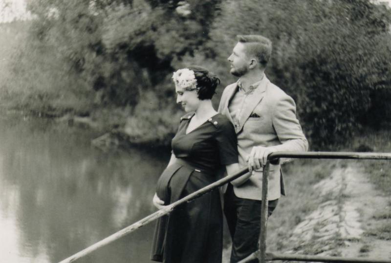 fotograf - těhotenské fotky - na film Baruš září 2018  (10)